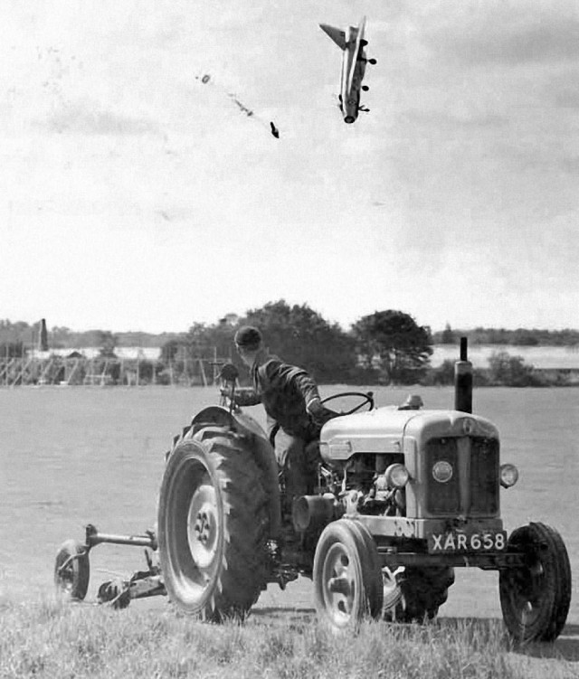 38-Rare-History-Photos-George-Aird-Ejecting-Sideways1