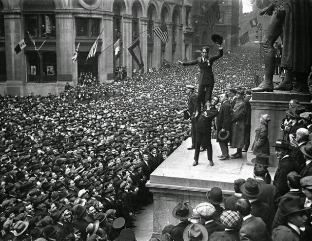 40-Rare-History-Photos-Douglas-Fairbanks-Jr-Charlie-Chaplin1